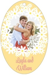 Dreaming Daisies Large Oval Hang Tag In Sunburst